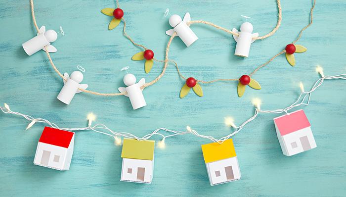 Lighted Houses Christmas Garland.