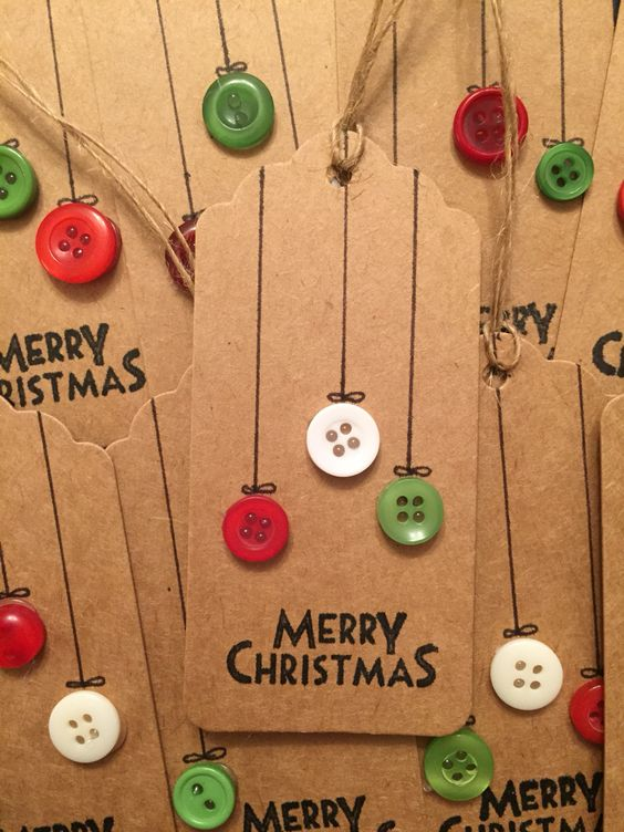 Button Christmas Gift Tags.