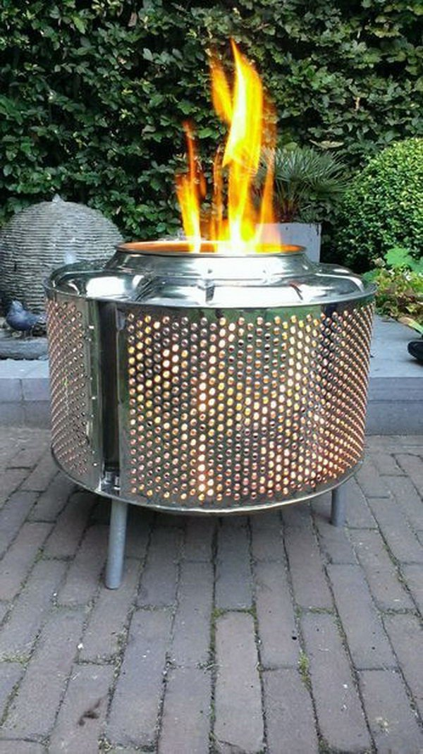 Knalpot Fire Pit Made out of Old Drum.