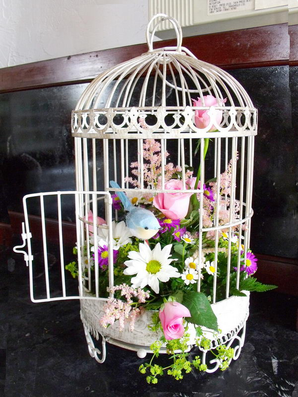 Cute Spring Birdcage Floral Decoration.