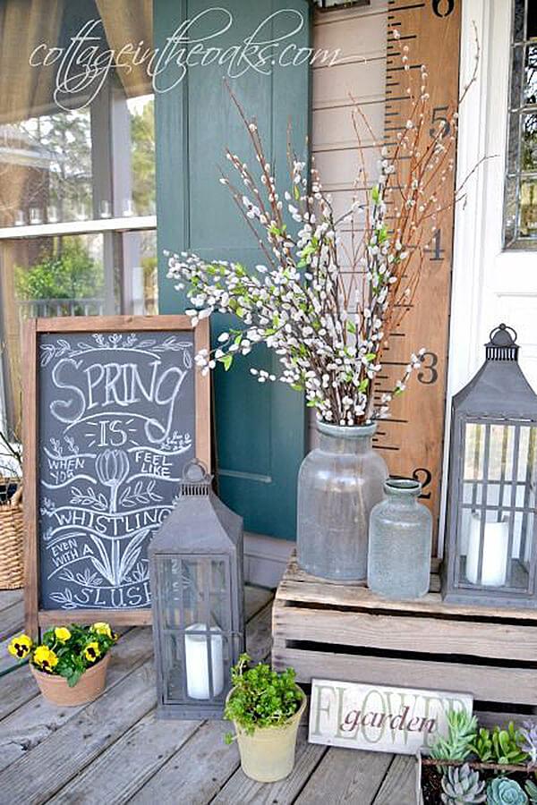 Spring Cottage Porch Decoration.