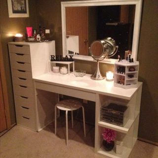 25 Gorgeous Makeup Vanity Ideas