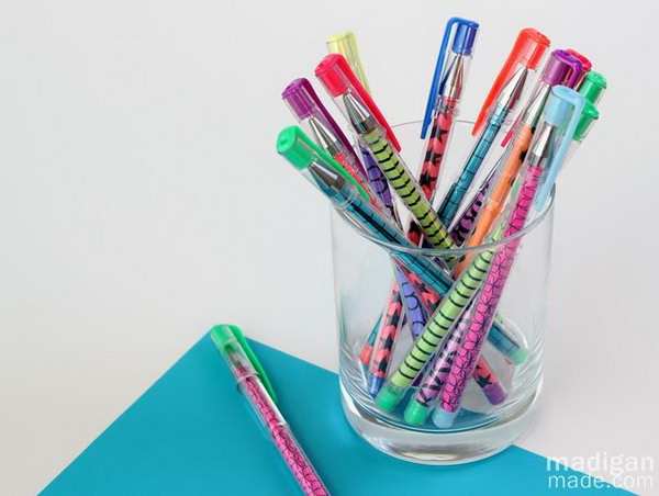 DIY Pens Made With Neon Printed Paper