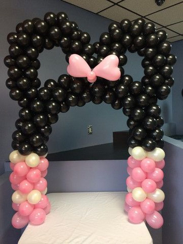 DIY Minnie Mouse Balloon Arch.