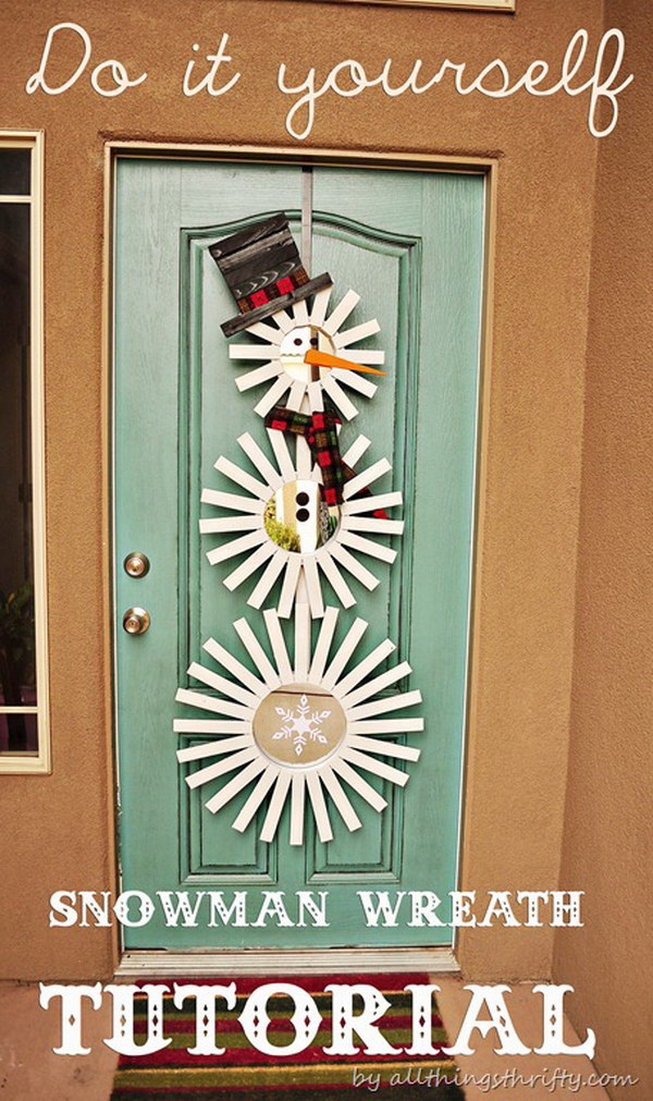 25 amazing christmas door decorations 2017 frosty inspired door decor solutioingenieria Gallery