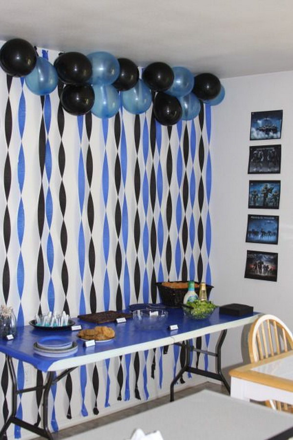 Simple But High Impact Graduation Party Balloon Backdrop.