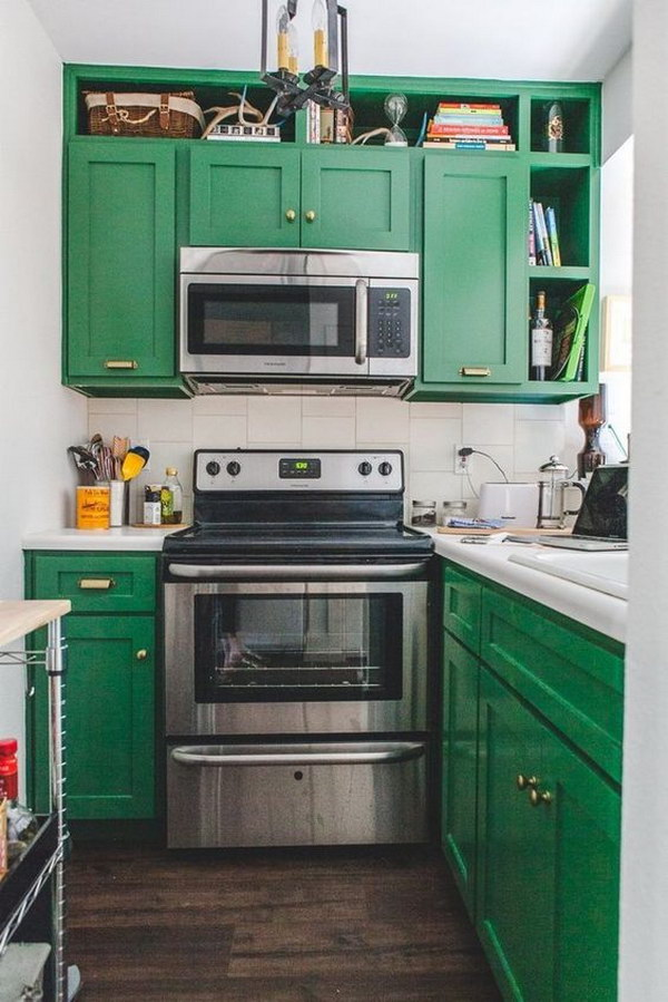 Crisp Green Kitchen Cabinets.