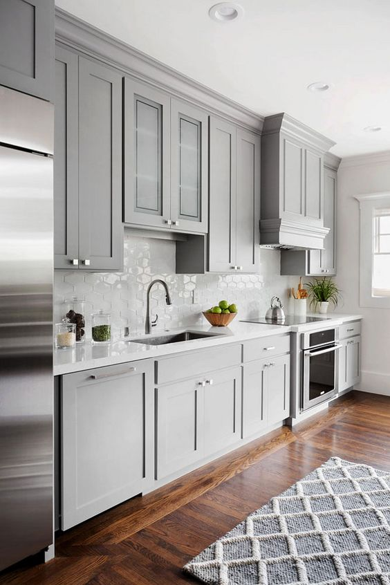 Shaker Style Gray Kitchen Cabinet.
