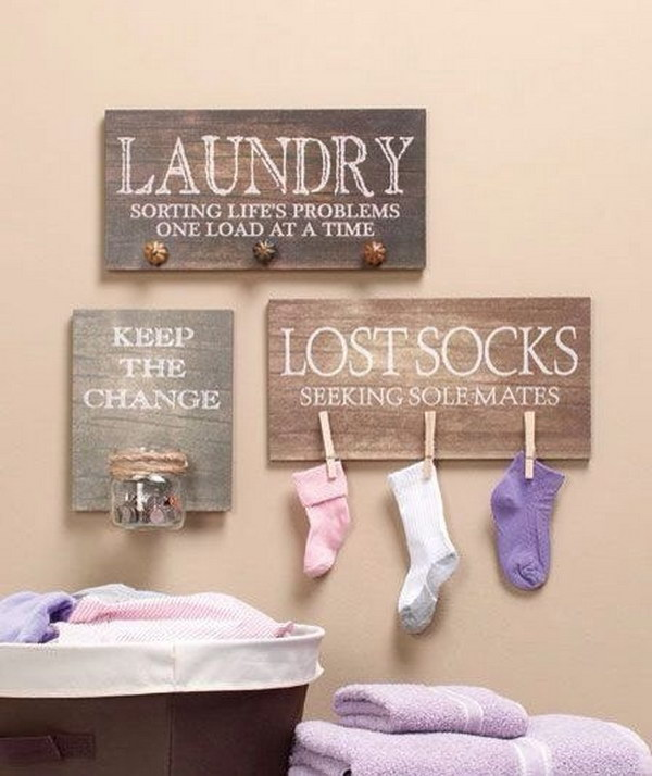 Solve The Common Household Problem With This DIY Lost Socks Sign.