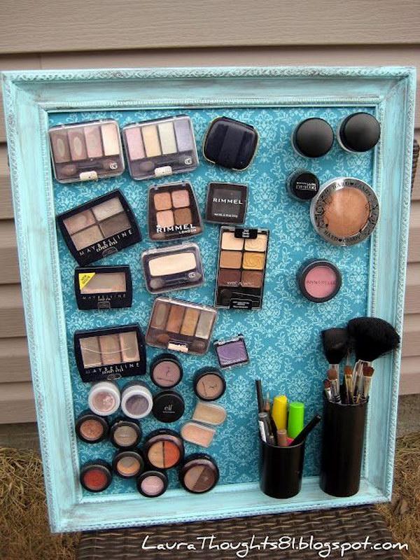 DIY Magnetic Make-Up Board