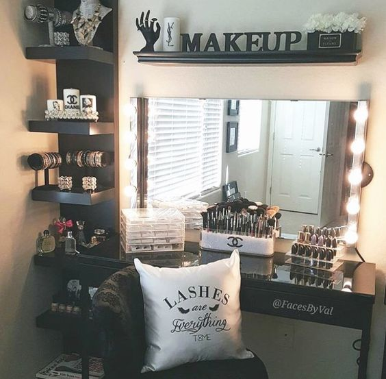 Makeup Vanity With Side Shelf.