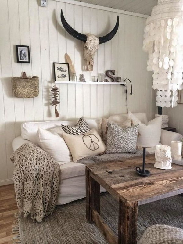 Rustic Living Room Withh Homemade Chandelier.