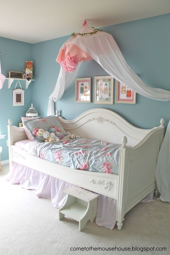 Beautiful Shabby Chic Bedroom.