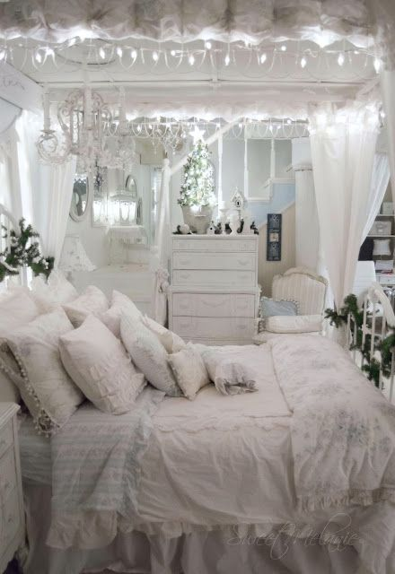 This Blue and White Bedroom is so Romantically Beautiful.