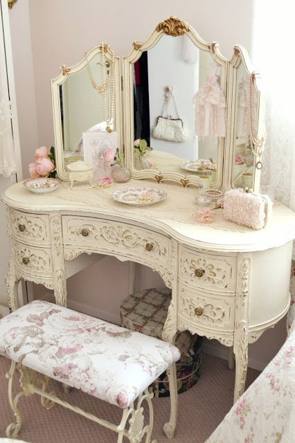 This Shabby Chic Dressing Table Would Be Perfect for Any Bedroom.