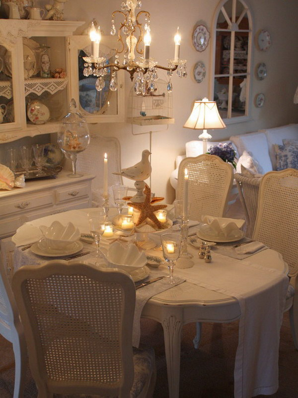 Cozy And Shabby Chic Dining Room.
