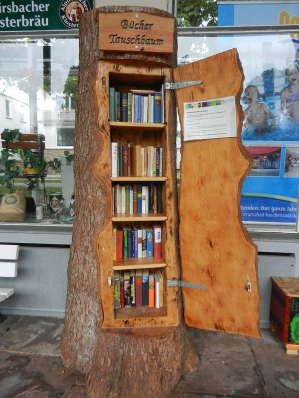 Tree Trunk Shaped Bookshelf.