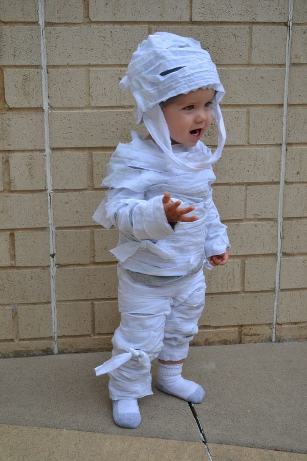 Easy No-Sew DIY Mummy Costume for Kids