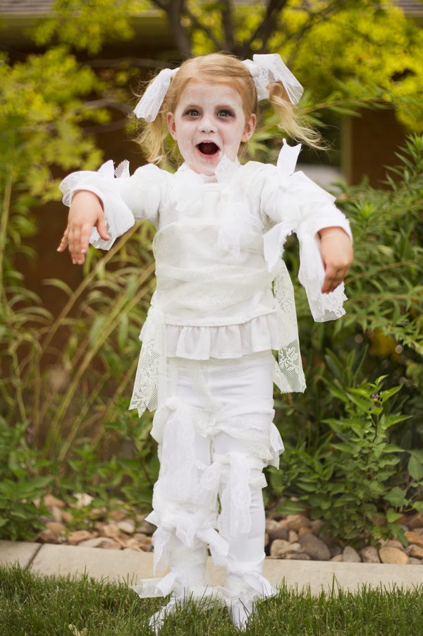 DIY Little Girl Lace Mummy Halloween Costume