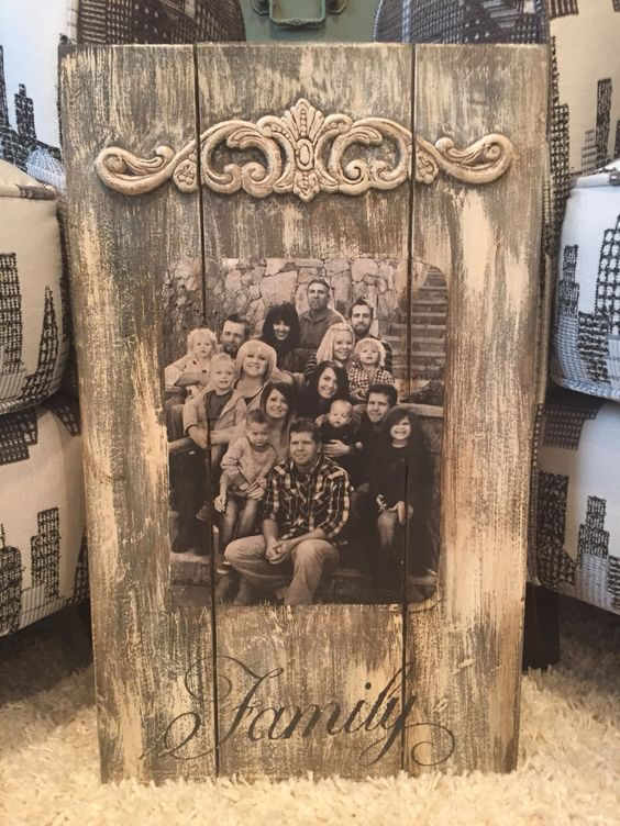 Pallet and Family Photos.