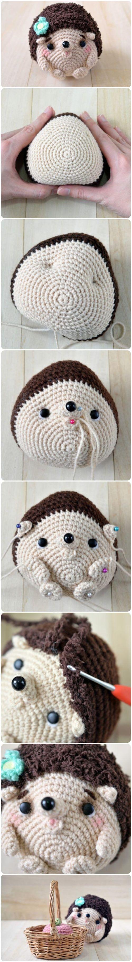 Baby Hedgehog Amigurumi.